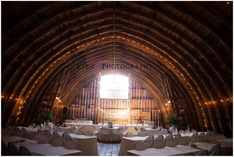 Amber Amp Tj Barn Wedding Wilson Wi Kluzb Photography